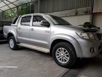Bán xe bán tải Toyota Hilux 3.0G số sàn 2014, màu bạc, nhập khẩu