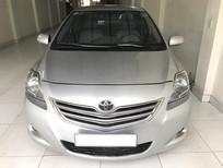 Cần bán lại xe Toyota Vios 1.5 E 2013, màu bạc
