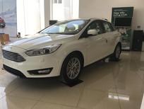 Bán xe Ford Focus Titanium sản xuất năm 2018, màu trắng