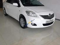 Cần bán gấp Toyota Vios năm 2010, màu trắng, xe đẹp