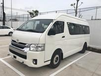Cần bán xe Toyota Hiace 3.0L sản xuất 2019, màu trắng, nhập khẩu nguyên chiếc