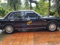 Cần bán xe Toyota Crown năm sản xuất 1993, màu đen, nhập khẩu, giá chỉ 180 triệu