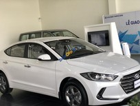 Cần bán xe Hyundai Elantra sản xuất năm 2019, màu trắng