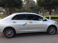 Cần bán lại xe Toyota Vios năm 2013, màu bạc số tự động