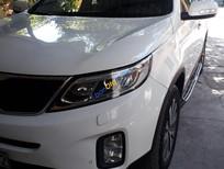 Cần bán gấp Kia Sorento sản xuất 2014, màu trắng ít sử dụng