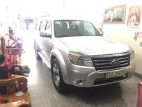 Cần bán Ford Everest AT Limitel đời 2013, màu bạc.500  tr