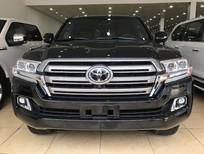 Bán xe Toyota Land Cruiser năm sản xuất 2019, màu đen, xe nhập