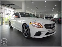 Cần bán xe Mercedes C300 AMG Facelift sản xuất 2019, màu trắng