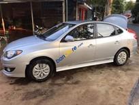 Cần bán lại xe cũ Hyundai Avante năm 2015, màu bạc