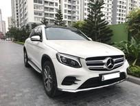 Cần bán lại xe Mercedes GLC 300 4matic 2017, màu trắng