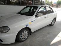 Cần bán gấp Daewoo Lanos sản xuất năm 2001, màu trắng chính chủ