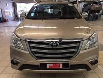 Bán Toyota Innova E số sàn 2015, màu nâu, giá thương lượng