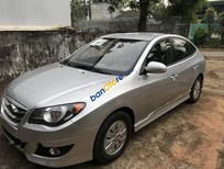 Cần bán gấp Hyundai Avante sản xuất 2015, màu bạc