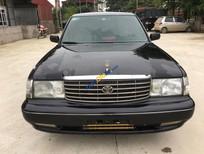 Cần bán Toyota Crown năm 1994, màu đen, xe nhập, giá 135tr