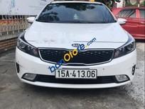 Cần bán Kia Cerato năm sản xuất 2018, màu trắng