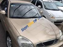 Xe Daewoo Nubira II năm sản xuất 2001, màu vàng