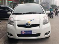 Cần bán xe Toyota Yaris 1.3AT năm 2010, màu trắng, nhập khẩu, giá 420tr