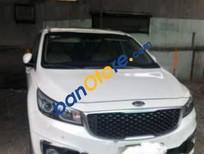 Cần bán gấp Kia Sedona 3.3 AT sản xuất 2016, màu trắng