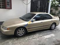 Bán xe Honda Accord sản xuất năm 1995, màu vàng số tự động