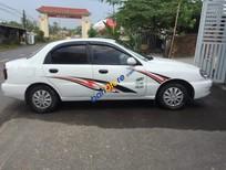Cần bán gấp Daewoo Lanos năm 2001, màu trắng, nhập khẩu