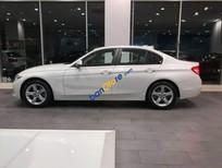 Cần bán xe BMW 3 Series 320i sản xuất năm 2018, màu trắng, nhập khẩu
