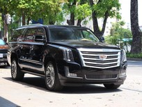 Cần bán lại xe Cadillac Escalade ESV Platium đời 2017, màu đen, xe đăng kí 2017