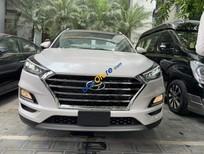 Cần bán Hyundai Tucson 2.0 AT sản xuất năm 2019, màu trắng, giá tốt