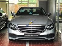 Cần bán xe Mercedes E200 sản xuất 2017, màu bạc