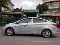 Xe Hyundai Accent sản xuất 2012, màu bạc