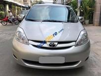 Cần bán Toyota Sienna sản xuất năm 2009, màu bạc