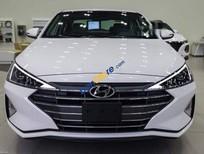 Cần bán xe Hyundai Elantra 1.6MT sản xuất năm 2019, màu trắng, giá chỉ 580 triệu