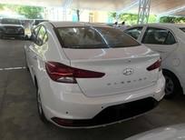 Elantra ra mắt mẫu xe mới, kiểu dáng đổi mới độc lạ, sang chảnh đẹp mắt