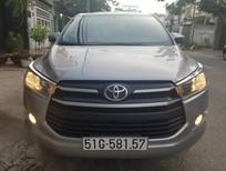 Bán xe Toyota Innova 2.0E năm sản xuất 2018, màu bạc