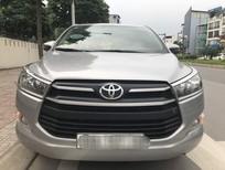 Xe Toyota Innova 2.0E sản xuất 2018, màu bạc số sàn