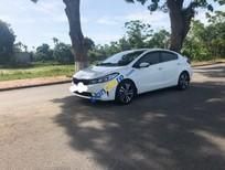 Cần bán lại Kia Cerato đời 2017, màu trắng, xe nhập
