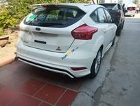 Bán Ford Focus Ecoboost sản xuất 2019, màu trắng, giá tốt