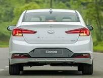 Bán xe Hyundai Elantra 2019, xe có sẵn màu trắng giao nhanh, hỗ trợ toàn bộ thủ tục đăng kiểm