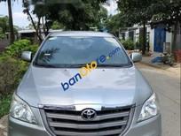 Cần bán Toyota Innova 2.0E sản xuất năm 2014, màu bạc số sàn
