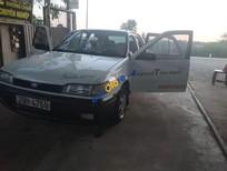 Cần bán xe Nissan Bluebird đời 1996, màu trắng