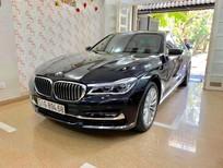 Cần bán lại xe BMW 7 Series 740Li 2016, màu đen, nội thất kem
