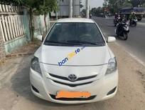 Cần bán lại xe Toyota Vios Limo năm 2010, màu trắng