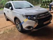 Cần bán gấp Mitsubishi Outlander năm sản xuất 2018, màu trắng