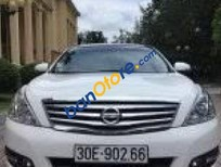 Cần bán Nissan Teana 2.5 AT sản xuất 2010, màu trắng, giá 550tr