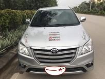 Cần bán gấp Toyota Innova 2.0E năm sản xuất 2014, màu bạc