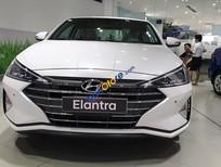 Bán xe Hyundai Elantra 1.6 MT sản xuất 2019, màu trắng