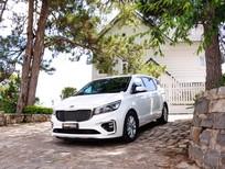 Cần bán xe Kia Sedona năm sản xuất 2019, màu trắng