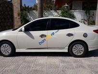 Cần bán gấp Hyundai Avante năm sản xuất 2011, màu trắng, nhập khẩu