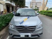 Cần bán Toyota Innova MT sản xuất năm 2014, màu xanh lam