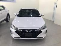 Bán ô tô Hyundai Elantra năm 2019, màu trắng, giá 735tr