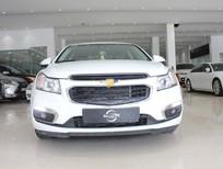 Cần bán Chevrolet Cruze LT 1.6MT năm 2017, màu trắng số sàn, giá tốt